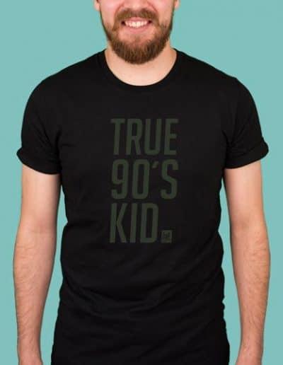 true_90_schwarz_shirt.jpg